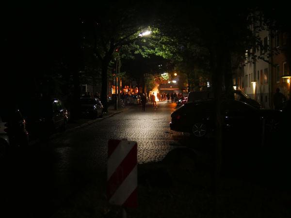 Car City Feuer Flame G20 Hamburg G20 St. Pauli Gefahr Illuminated Light Nacht Nachtaufnahme Nachtfotografie Nachts Night Night Lights Night Photography Nightphotography Nightshot Riot Road Straße Street Stupid Vandalism Vandalismus