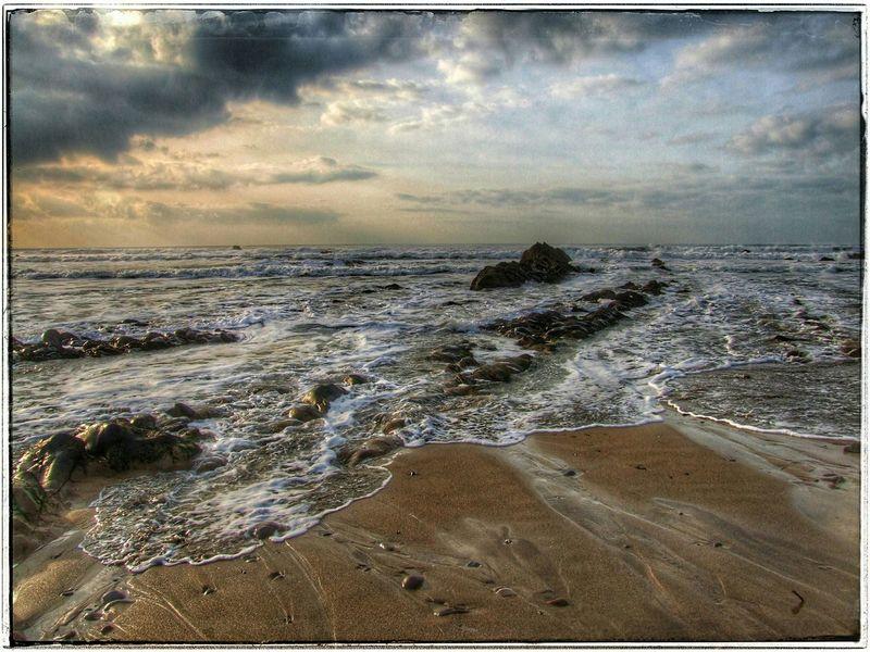 Widemouth Bay Drama Enjoying Life Beautiful Beach Beautiful Place Shoreline Ocean Waves Beach Sound Of Life Little Waves Beach Photography Beach