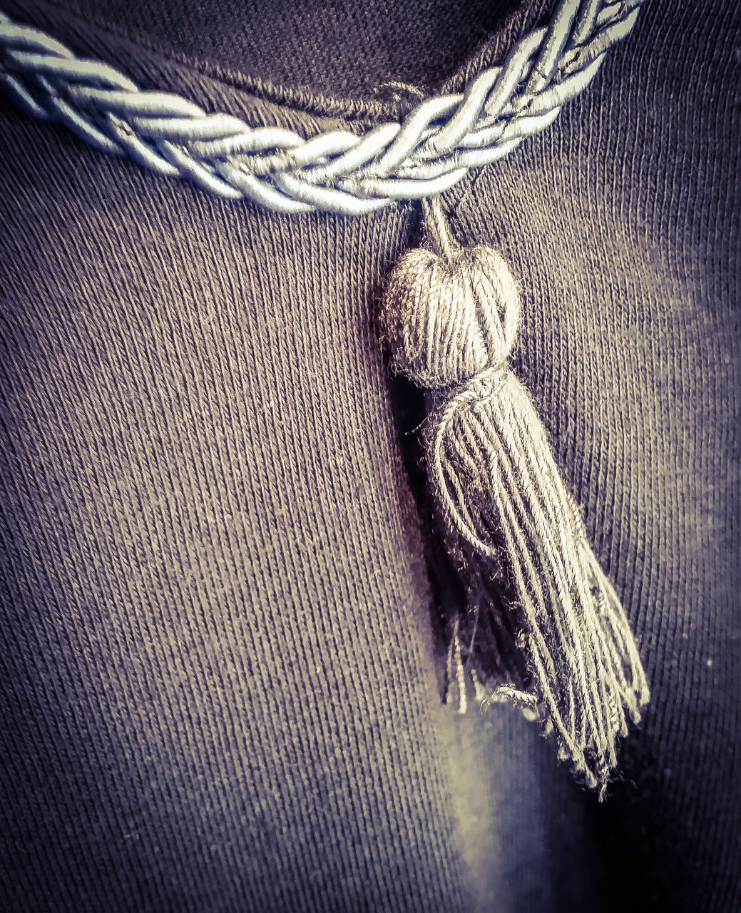 rope, tied knot, no people, indoors, textured, close-up, wool, tied up, braided, day