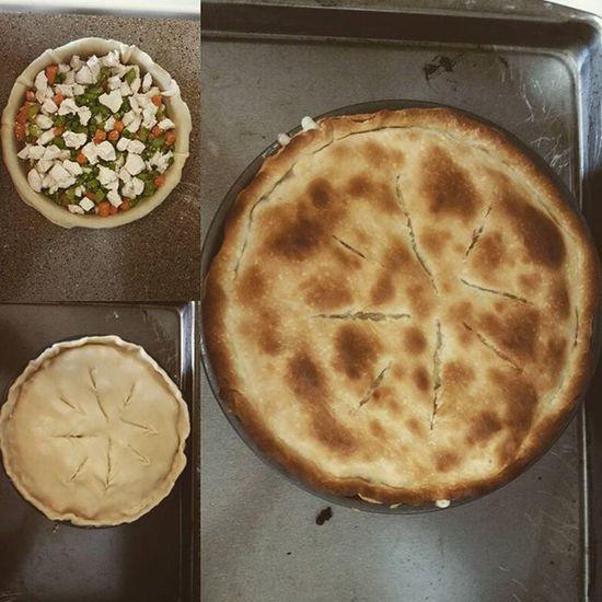 Homemade chicken pot pie anyone? ;) Lovebeingastayathomemom , Teachingmyselftocook , Chickenpotpie