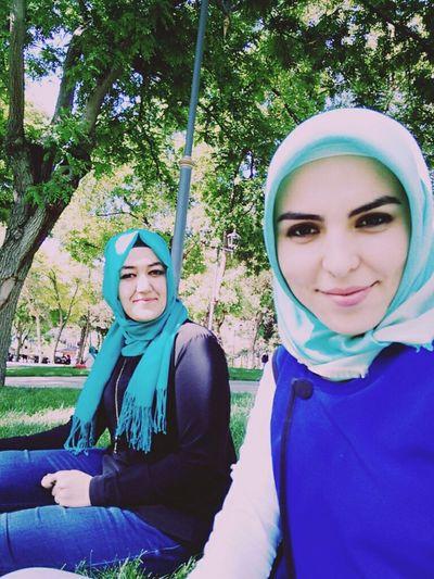 Bu kadar beyazmıydım ben 😍😊 Friends ❤ Hijab Gülümsemektenvazgeçme Arkadas♥♡ Biraz Tebessum 💞💕💕💋🐯🌞🍀🎶