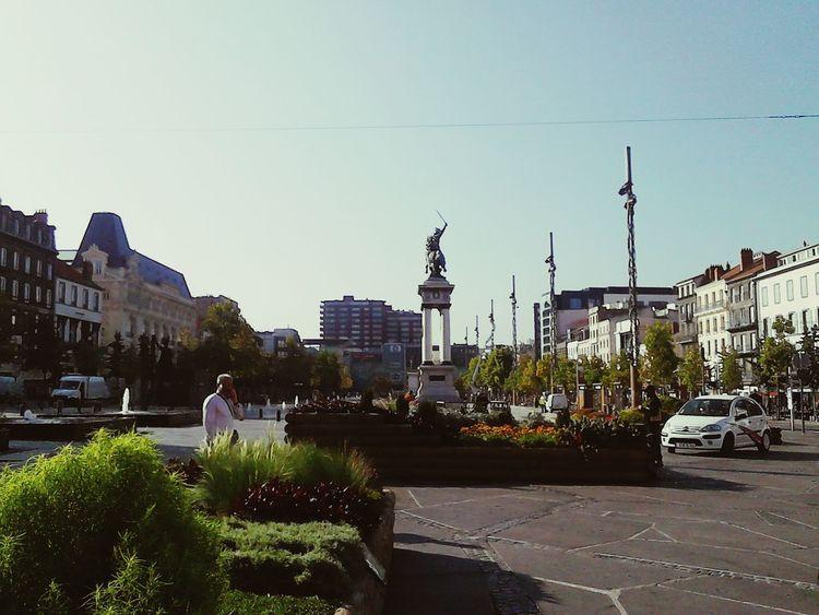 Clermont-ferrand Place De Jaude Auvergne Vercingetorix Beautiful Day
