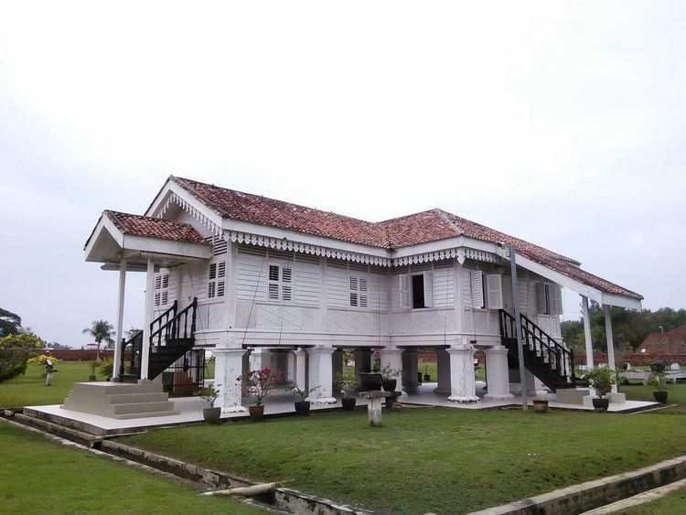Historical Building Traditional Malay House Architecture Building Exterior Built Structure Day Museum Timber Traditional Traditional Malaysian Culture Vernacular Architecture