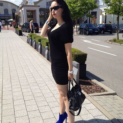 New #outfit posting and video at http://www.pureglam.tv - #shopping #minidress #boots #pureglam #photooftheday #fashion #youtube #blogger #blog #munich #germany Boots Black Outfit Village Woman Photooftheday Munich Dress Shopping Youtube Me Blog Beautiful Blogger Girl Igersgermany Model Igersmunich Germany Pureglam Sunglasses Ingolstadt Fashion Minidress
