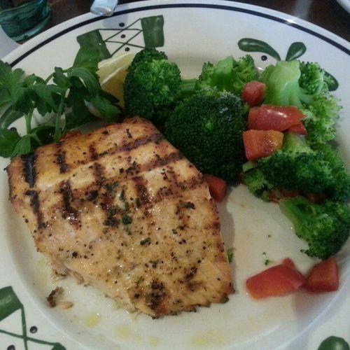 Lunch RoastedSalmon with Broccoli ... nom nom Nom salmon foodie foodformystomach food foodporn mouthgasm lemon salad