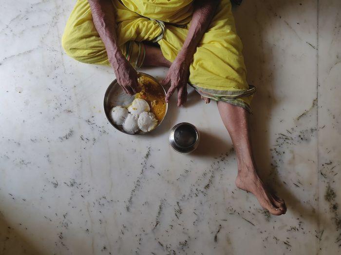 Food barefoot