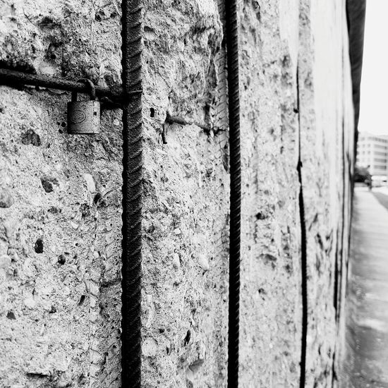 Metal Close-up No People Outdoors Built Structure Architecture Wall Berlin Berlin Wall Berlin Photography Bnw Bw Communism DDR DDR Grenze Grenze Border Historical History Historic Europe Germany