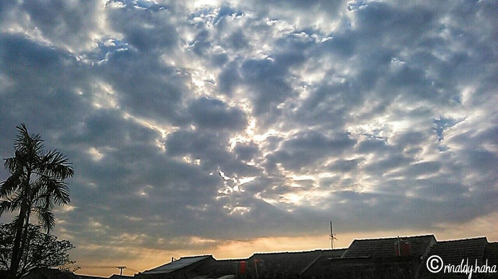 amazing😻 Low Angle View Cloud - Sky Sky Outdoors No People Nature Orange Color EyeEm Selects Beauty In Nature Bekasi, Indonesia
