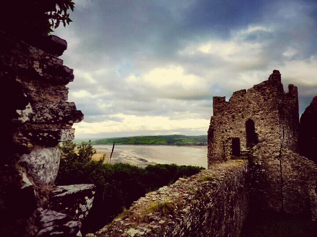 history, architecture, sky, built structure, day, ancient, no people, cloud - sky, nature, outdoors, castle, old ruin, building exterior, travel destinations, scenics, beauty in nature, ancient civilization, tree, water