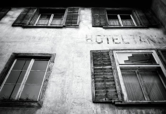 Building Exterior Built Structure Architecture Low Angle View Window No People Monochrome Photograhy Light And Shadow Mypointofview Taking Photos Blackandwhite Photography Monochrome _ Collection Black & White Black&white EyeEm Black&white! Architecture_collection Old Architecture Old House Old Buildings City Architecture Oldhotel Cityscape