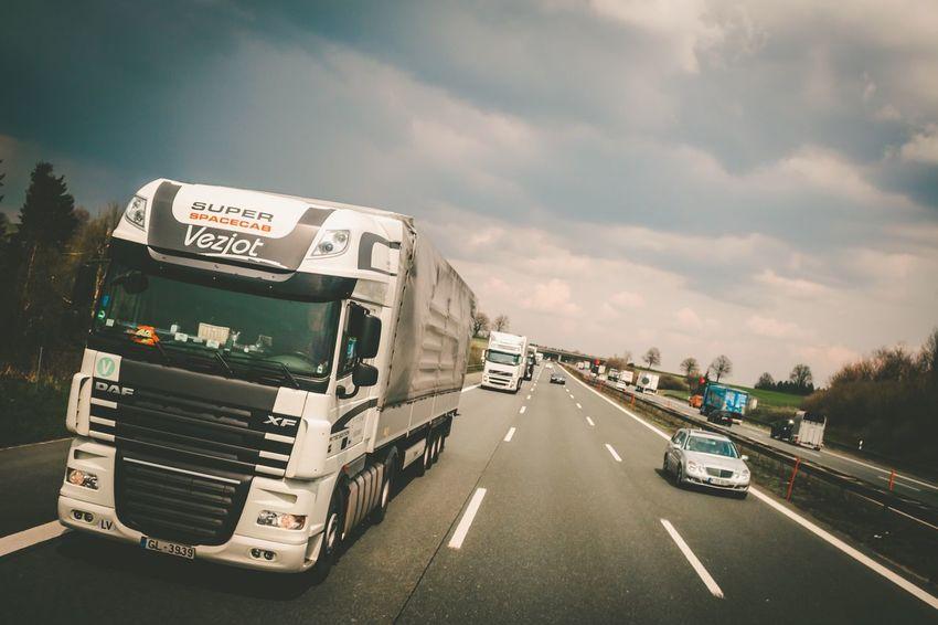MeinAutomoment GERMANY🇩🇪DEUTSCHERLAND@ Autobahn Road Fastlane Deutschland Deutsche Bahn Bayern Germany Germany Cars Lkw Feel The Journey