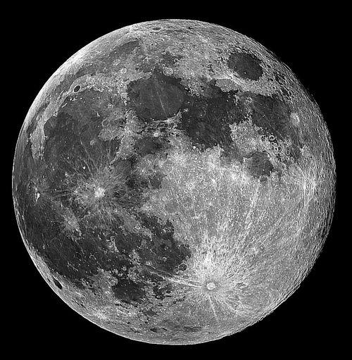 como prometido aqui fica a full moon ISO 200/ F11 1/250 Canon 500D 300mm foto ampliada