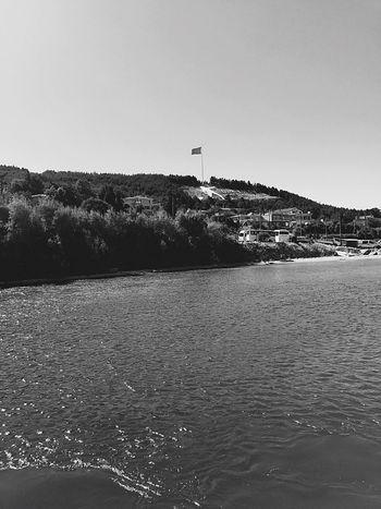 Day Sea Photo Black And White Istanbul Turkey Vapur Manzarası Feribotiskelesi çanakkale çanakkalegeçilmez DUR YOLCU Photography EyeEm Artist Nature Hello World Manzara