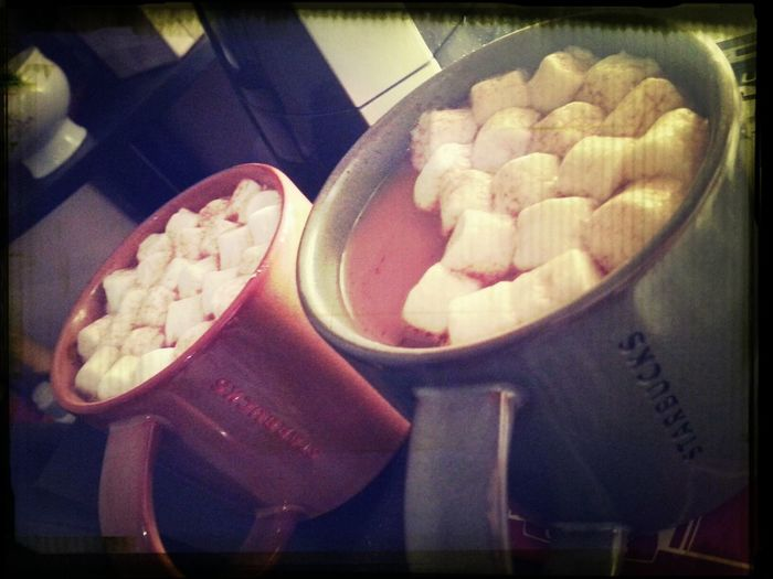 salted caramel hot chocolate with marshmallows ♥♥♥ Salted Caramel Hot Chocolate