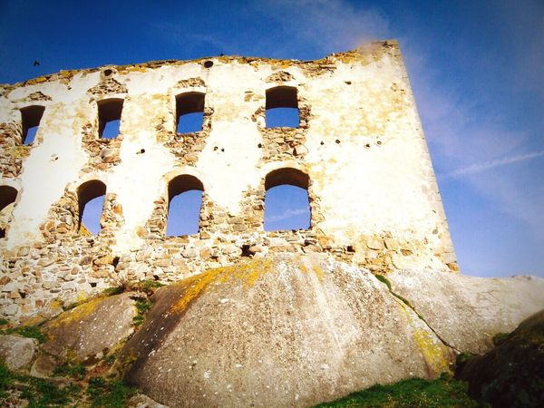 Standing tall !! Braheus Swedencastle Old Architecture Scandinavianliving Feelthejourney Traveldiaries Awestruck Sweden