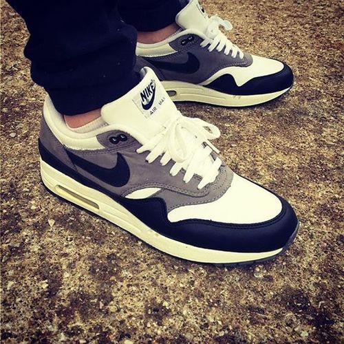 Nikemaxwomen BILOOL Fashionitaly 👟👟🇮🇹