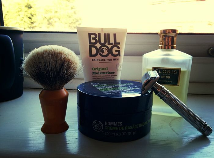 Sotd Shave Of The Day Edwin Jagger razor , bull dog moisturiser , body shop maca root Shaving Cream , badger hair brush and to round it off some floris no 89 aftershave.
