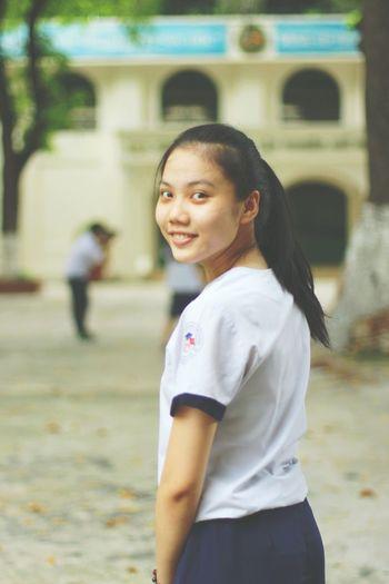 見返り美人。 見返り美人 学生 ベトナム ベトナム人 Looking Back Beauty Portrait Of A Friend MissHer Vietnamese Vietnam