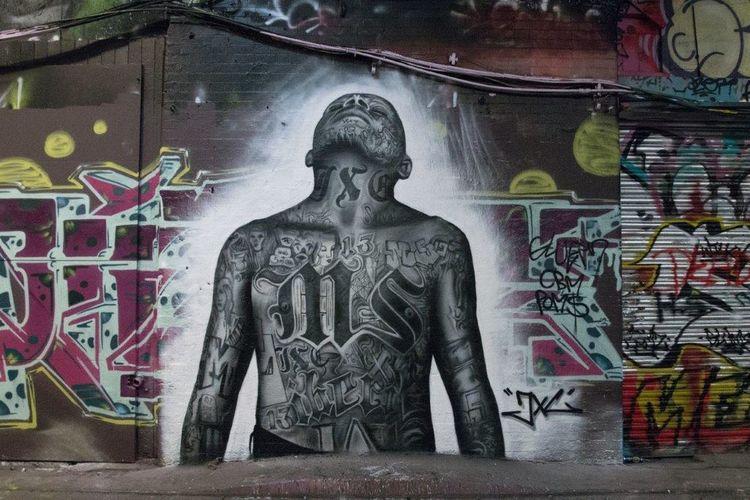 Streetart by @jxcdesigns Leakestreettunnel Leake St Streetart/graffiti Streetart #street #streetphotography #tagsforlikes #sprayart #urban #urbanart #urbanwalls #wall #wallporn #graffitiigers #stencilart #art #graffiti #instagraffiti #instagood #artwork #mural #graffitiporn #photooftheday #stencil #streetartistry #photograp Street Photography Streetphotography Graffiti LONDON❤ London