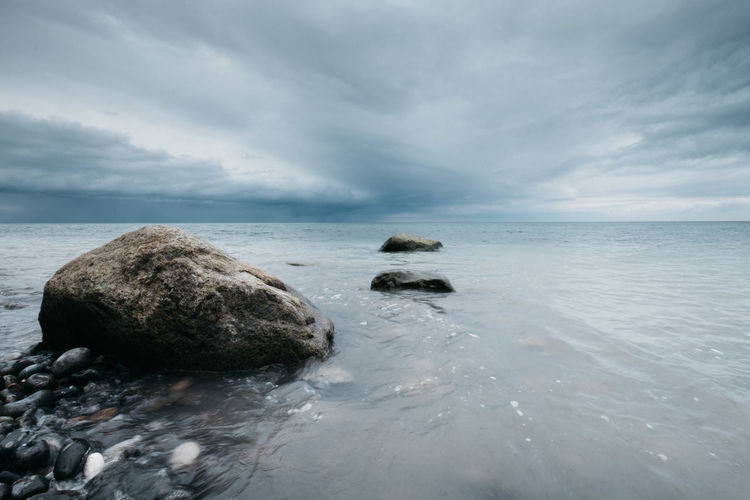 Beauty In Nature Cloud - Sky Dark Day Horizon Over Water Nature No People Outdoors Scenics Sea Sea And Sky Sky Stones Stormy Tranquil Scene Tranquility Wallpaper Water Water_collection Waterfront Wave