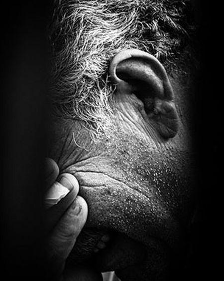 Photograph Photographer Blackandwhite Bw Iran Black White Dead Death Photooftheday Photo Photoofday Photos Photoshoot ایران سیاه_سفید مرگ