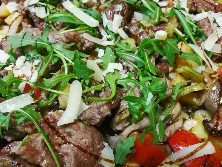Food And Drink Close-up Food Healthy Eating Green Color No People Ready-to-eat Indoors  Meat Foods Italy Italia Sardegna Sardinien Food And Drink Chef Food Photography Italian Food Gourmet Sardinia Sardegna Italy  Italian Chef Horse Horse Meat Tagliata