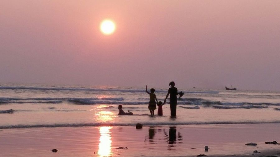 Beach Sunset Family Time Family Blissful Evening Bliss Seashore Happiness