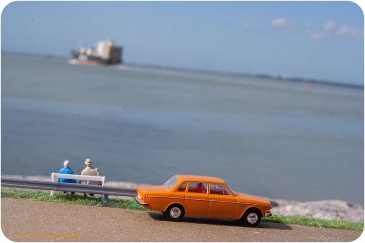 Enjoy togetherness Sea Diecastphotography Toyphotography Oldpeople Love ♥ Volvocars