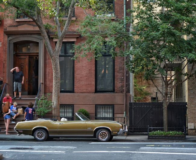 442 on the street Sightseeing 442 Oldsmobile 442 Oldsmobile Classic Car Car Convertible Sports Car Muscle Cars American Dream NYC NYC Street Streetphotography Street Photography 35mm Nikonphotography Nikon Street New York City NYC Street Photography