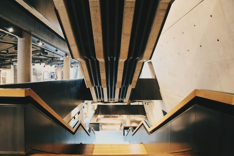 Empty halls are my favouritesThe Architect - 2017 EyeEm Awards Architecture Built Structure Indoors  No People Politics And Government Still Life EyeEm Modern Architecture Interior Architecture