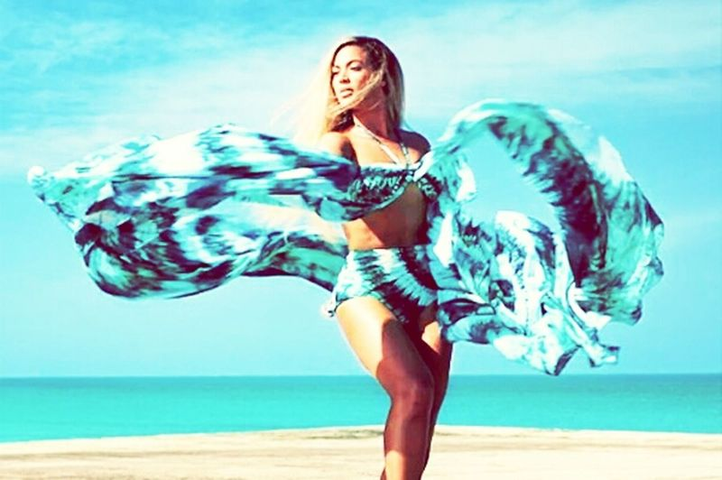 Standing on the sun H&M Beyonce Flawless Beauty