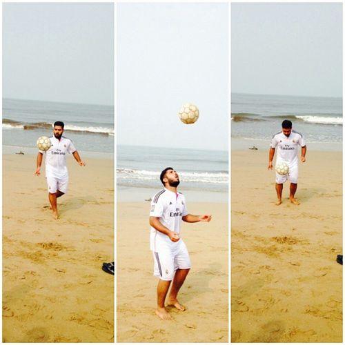 PC-@iattiqoprime Me Beach Football Beachfootball Friends Skills  Awesome Lovefootball MorningGame L4l Instaclick Nofilter