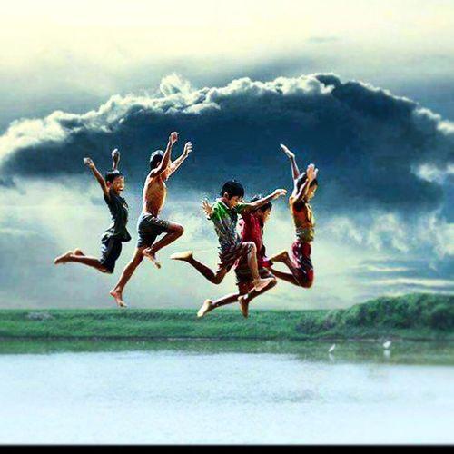 Uçamazsan ,Kos ,Koşamazsan ,YÜRÜ ,yürüyemezsen,sürün ama ne yaparsan yap ilerlemek zorundasın