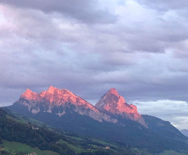 Mythen Mythen Red Cloud - Sky Mountain Sky Beauty In Nature Scenics - Nature Mountain Range Tranquil Scene Nature Landscape Idyllic