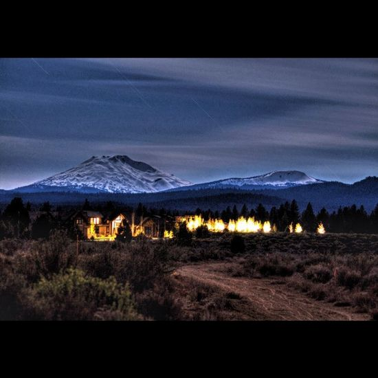 Messing around with some long exposure. f/6.3 ISO 100 360s Bendlife Visitbend Exploregon Night Nighttime Nightsky Longexposure Long Exposure Nightscape Landscape Landscape_lovers Landscape_captures WestCoast Westcoast_exposures PNWonderland New Love Instagood Me Beautiful Theoutbound Tripdeltago