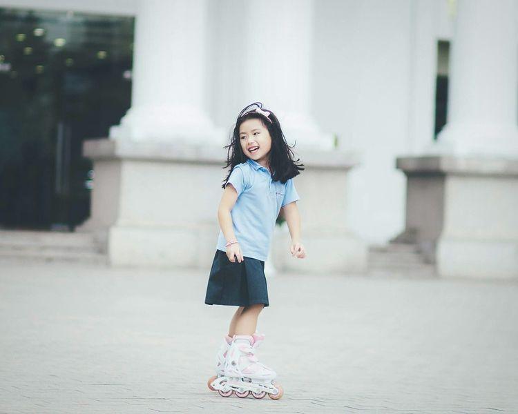 Snap A Stranger Schoolgirls SchoolGirl Cute Skate Boarding