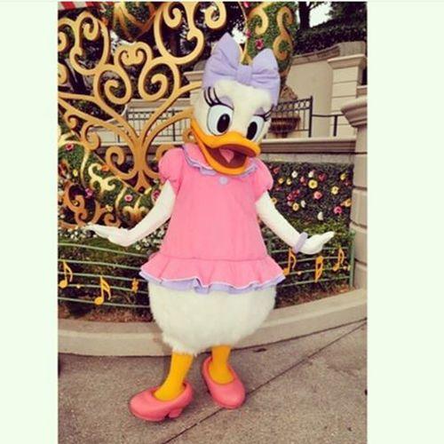 Hehe, just posing Daisyduck Disneyland Paris Pink Dress Cute Lovemyjob