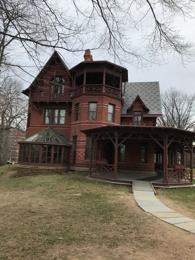 Mark Twain Mansion Mark Twain House Built Structure Architecture Building Exterior Building House Plant Residential District History Old Day Sky No People Outdoors Window Tree Nature Clear Sky Abandoned The Past Grass