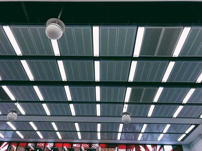 Ceiling Low Angle View No People Built Structure Indoors  Architecture Technology Day