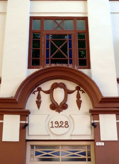 Immaculately maintained British colonial-era architecture in Singapore. Guess when it was built? Architecture Façade Singapore Architecture Building Building Exterior Built Structure Close-up Colonial Architecture Colonial Era Day Immaculate Indoors  No People
