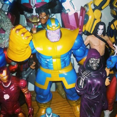 Welcome to.the family Thanos!! and of course his lovely lady of death! Themadtitan Thanos Marvel Figurefight Figure Figurecollecting Geekingout GeekyAlexxArt Infiniteseries Mcu Infinitywars Ladydeath Lovethese