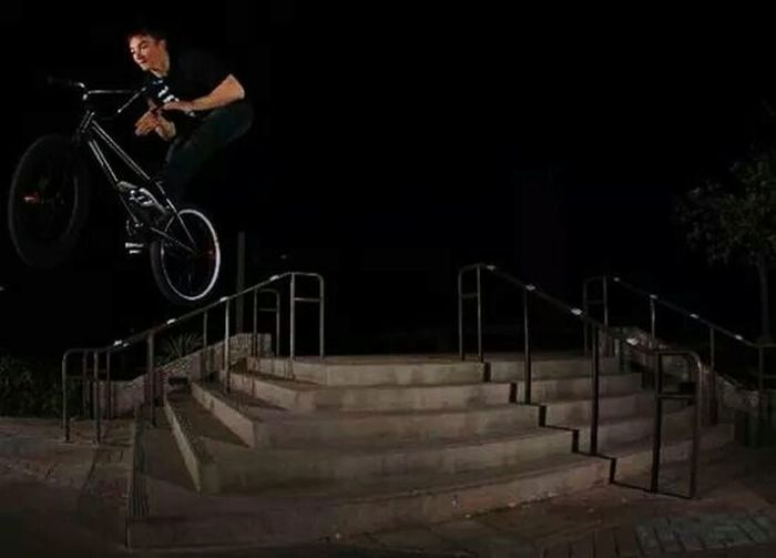 Barspin down the Staircase. A little scetchy but still FUN! Relaxing Bmx  People Of EyeEm Cult Enjoying Life Bmxstyle Master Arizona Life!