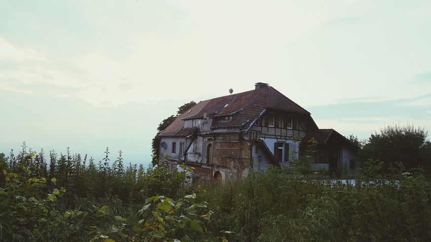 Empty House Old Buildings Old Old House Ruins Ruine Altes Haus Vergänglichkeit Sunset Sonnennuntergang Still Life Aechitecture Life