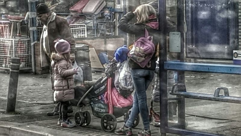 Love Pink Pink! People Watching Bus Stop Series Brightness Random People Watching People HTC_photography Hdr Edit