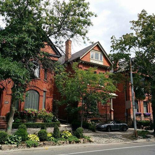 Bedfordroad Cityinvestigation Urbantoronto Torontohouse cozyneighborhood urbanplanners symmertime summerproject persiantoronto