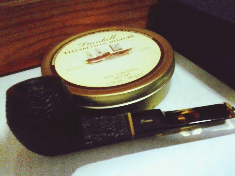 Dunhill Elizabethan Mixture in Savinelli Oscar Tiger Pipe Smoking Night Wind-down