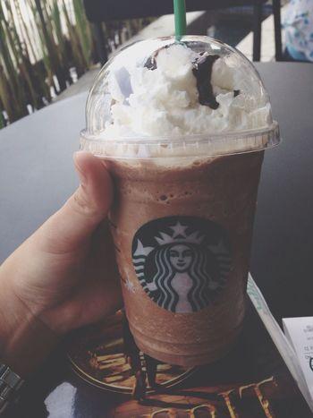 Starbucks Drinking Enjoying Life Relaxing