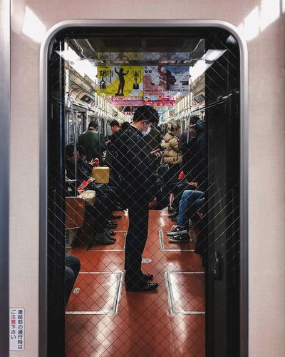 @itchban / itchban.com Adult Door Glass - Material Men Mode Of Transportation Real People Reflection Street Photography Transportation Travel The Street Photographer - 2018 EyeEm Awards