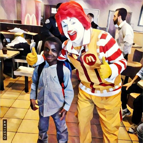 Snap A Stranger and my son Camryn. McDonalds Chillin  McdonaldsCamdenNj Camden Nj Togetherness Real People Indoors  People
