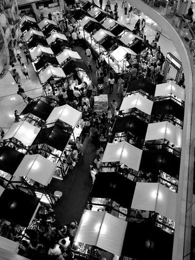 Hello World Hanging Out Enjoying Life Travel Bkk Thailand BKK Traveling Nice Photography Bangkok Blackandwhite Black And White Black And White Photography Black&white